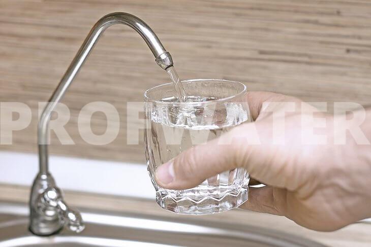 Зачем нужно смягчать жесткую воду